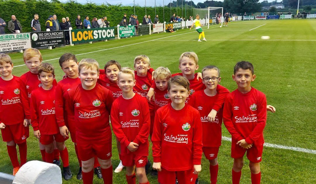 Salisburys Accountants Proud Sponsors of Denbigh Town Football Club Under 9s